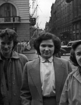 Women In Prague, 1956 Photo: FORTEPAN / Nagy Gyula / Wikimedia Commons. CCY BY-SA 3.0